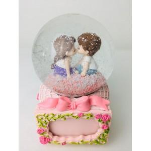 Aşıklar Çerçeveli Büyük Boy Otomatik Kar Püskürten Kar Küresi,Müzik Kutusu
