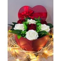 'Sen Benim Kalbimsin' Kutuda Güller